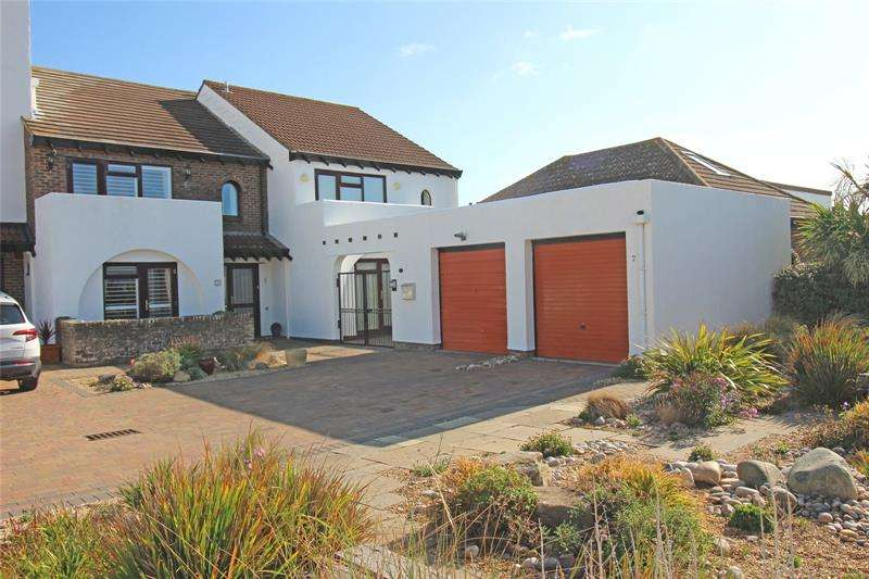 3 Bedrooms Terraced House for sale in Shinglebank Drive, Milford on Sea, Lymington, SO41