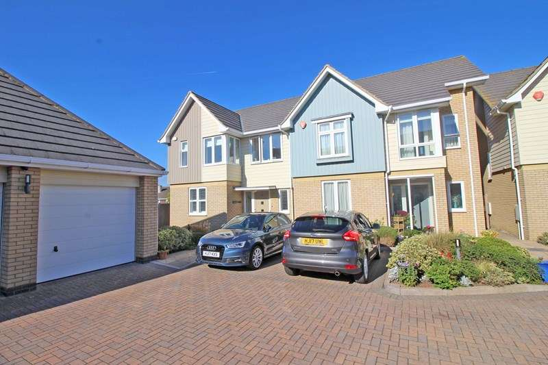 3 Bedrooms Semi Detached House for sale in Victoria Road, Milford On Sea, Lymington, Hampshire, SO41