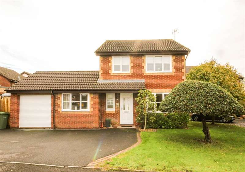 4 Bedrooms Detached House for sale in Woodlands Road, Charfield, South Glos, GL12 8LA