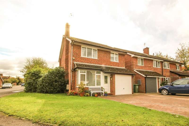 3 Bedrooms Detached House for sale in Farm Lees, Charfield, Wotton-under-Edge, GL12 8JA