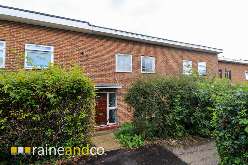 3 Bedrooms Terraced House for sale in The Pastures, Hatfield, AL10