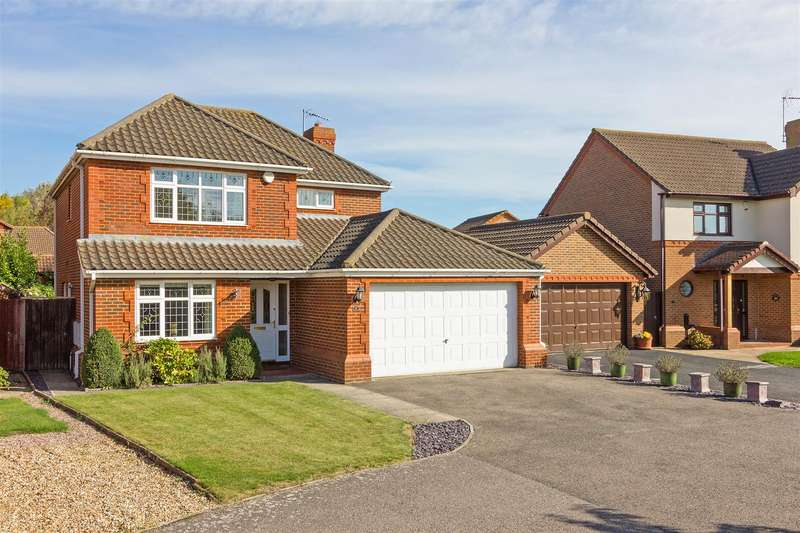 4 Bedrooms Detached House for sale in Cinnabar Drive, Sittingbourne