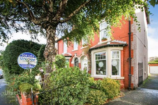 3 Bedrooms Semi Detached House for sale in Alexandra Road, Thornton-Cleveleys, FY5