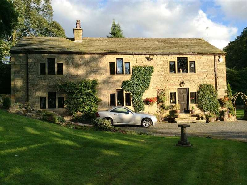 4 Bedrooms Detached House for sale in Pot Oven Farm, Burnley Road, Cliviger