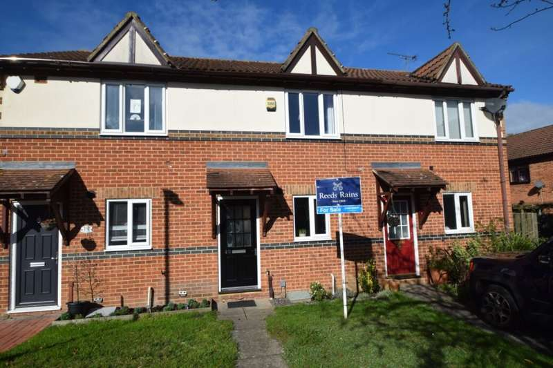 2 Bedrooms Terraced House for sale in Redwing Road, Walderslade, Chatham, ME5