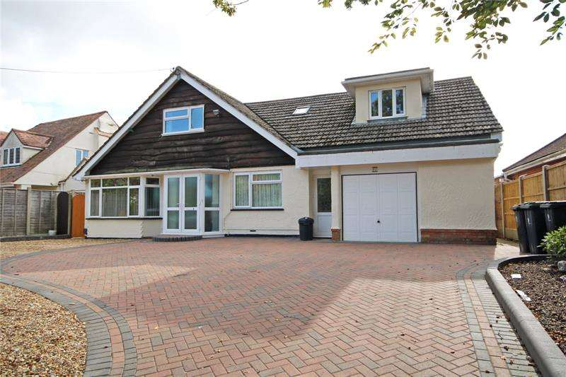 5 Bedrooms Bungalow for sale in Walkford Road, Walkford, Christchurch, BH23