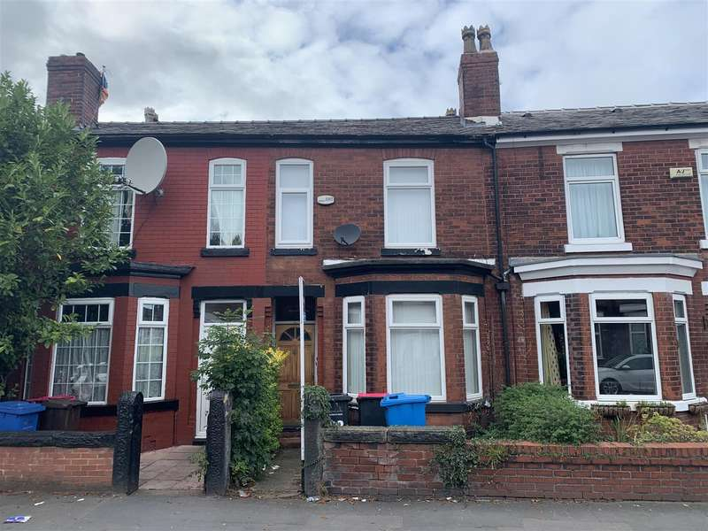 3 Bedrooms Terraced House for rent in Trafford Road, Eccles, Manchester