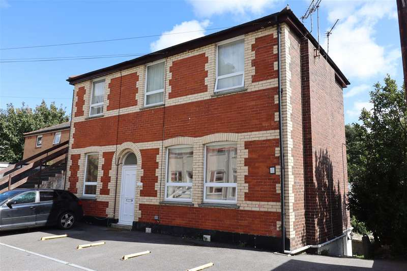 3 Bedrooms Property for rent in James Place, Truro