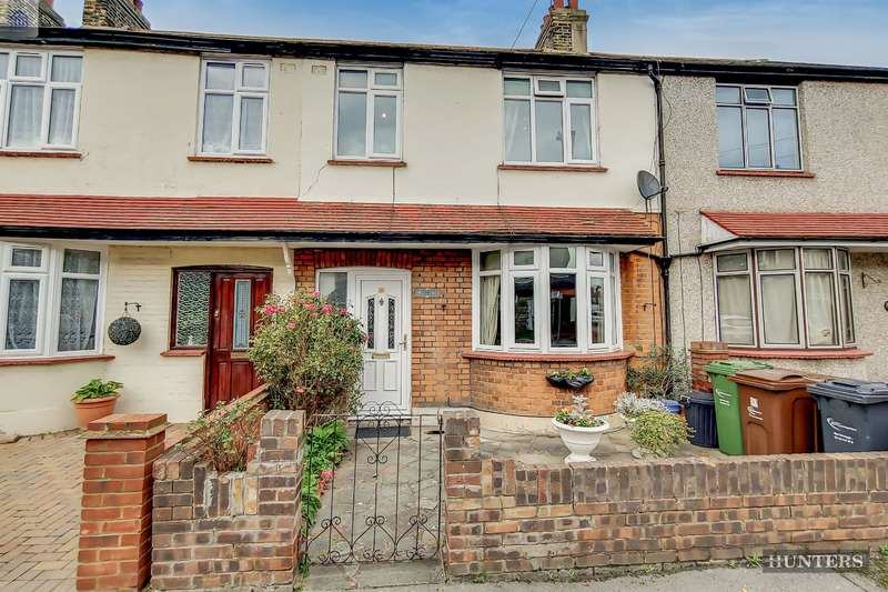 3 Bedrooms Terraced House for sale in Merten Road, Chadwell Heath, RM6