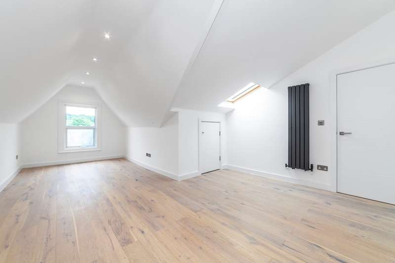 2 Bedrooms Apartment Flat for rent in Manchester Road, Thornton Heath, CR7