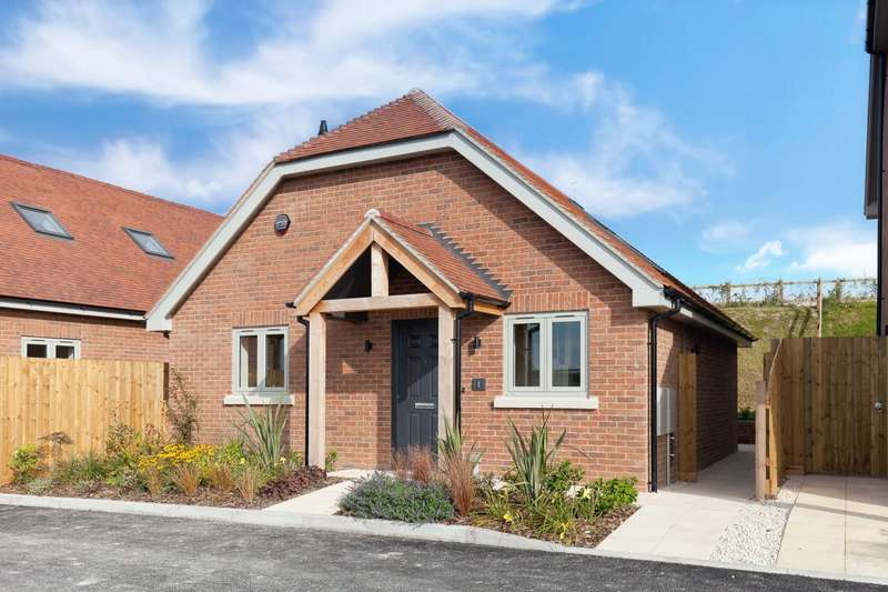 2 Bedrooms Bungalow for sale in Idmiston