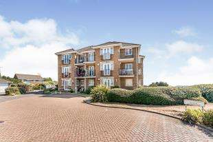 2 Bedrooms Flat for sale in Freya Close, Middleton On Sea, Bognor Regis, West Sussex