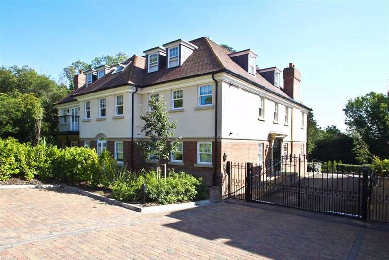 3 Bedrooms Apartment Flat for rent in Georges Wood Road, Brookmans Park, Hertfordshire