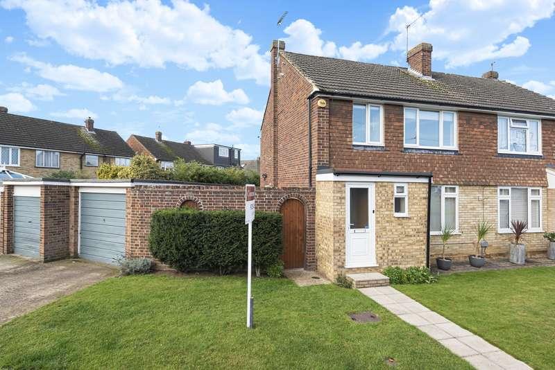 3 Bedrooms Semi Detached House for sale in Godley Road, Byfleet, West Byfleet, KT14