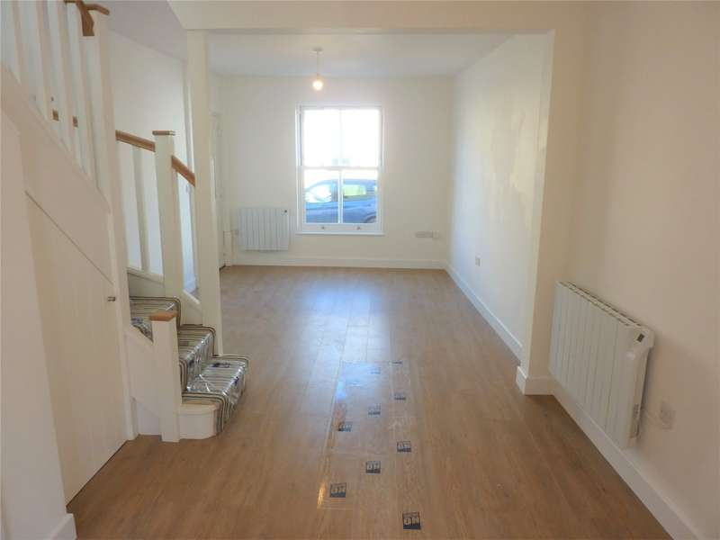 2 Bedrooms House for rent in High Street, Honiton, EX14