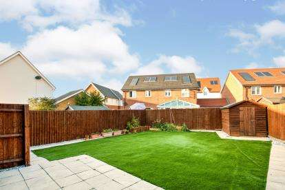 3 Bedrooms Semi Detached House for sale in Grays, Thurock, Essex