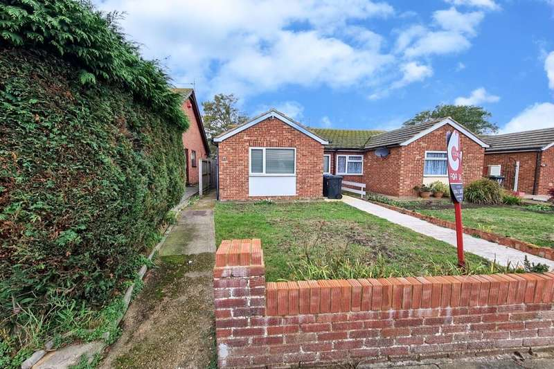 2 Bedrooms Semi Detached Bungalow for sale in Heathwood Drive, Ramsgate, CT11