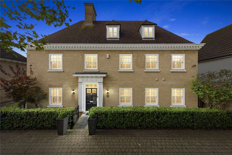 5 Bedrooms Detached House for sale in Louvain Drive, Beaulieu Park, Essex, CM1