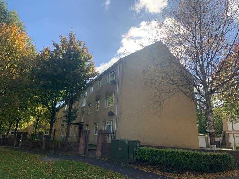 3 Bedrooms Flat for sale in George Street, Pontnewynydd, PONTYPOOL