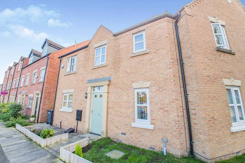3 Bedrooms Semi Detached House for sale in School Street, Radcliffe, M26