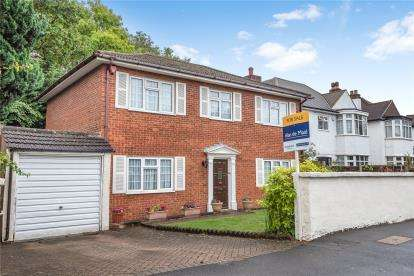 3 Bedrooms Detached House for sale in South Eden Park Road, Beckenham