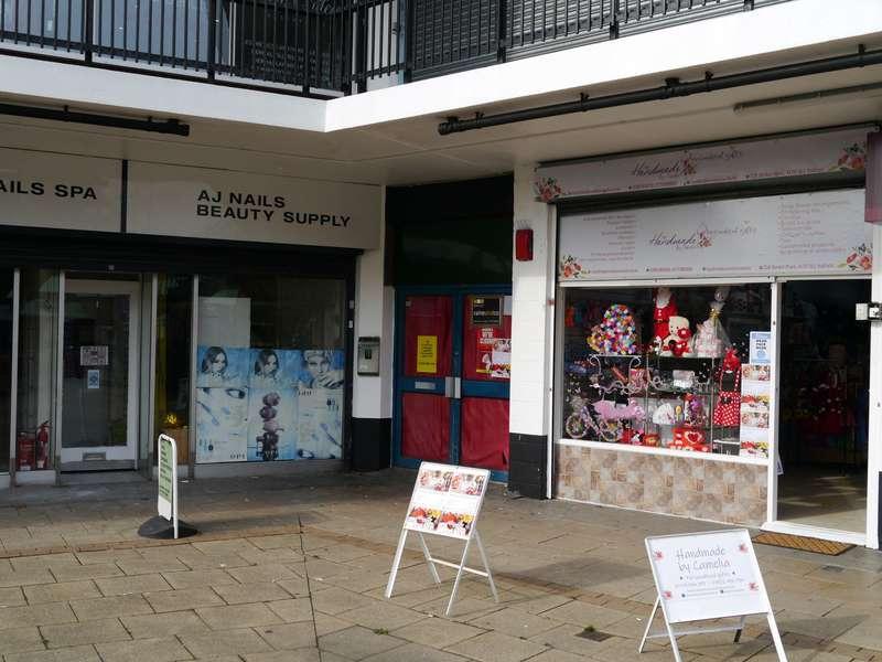 Shop Commercial for rent in Market Place, Hatfield, AL10