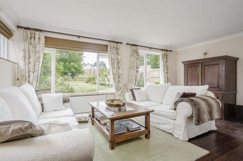 3 Bedrooms Detached House for rent in Reigate Road, Epsom
