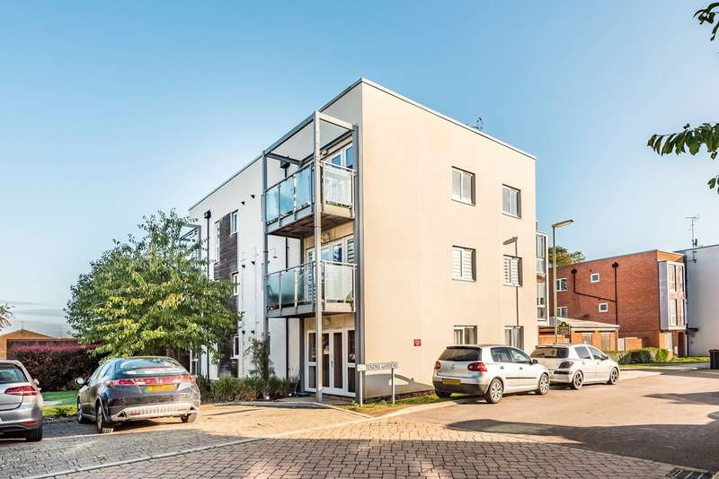 2 Bedrooms Apartment Flat for sale in Tenzing Gardens, Basingstoke, RG24
