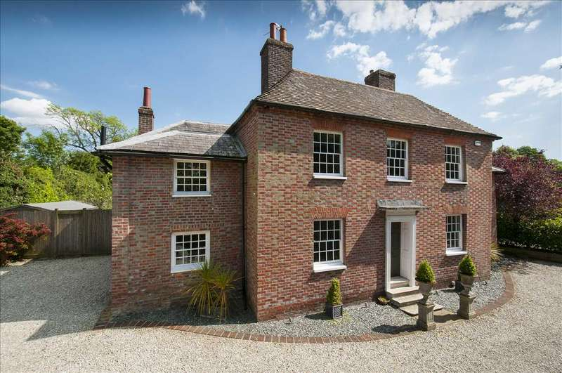 4 Bedrooms Detached House for sale in Broadway House, Pluckley Road, Charing