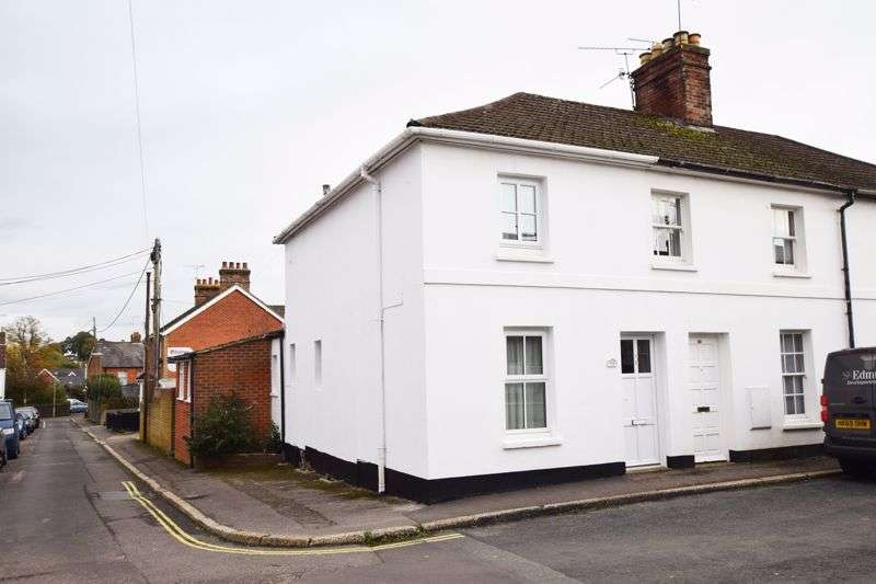 3 Bedrooms Property for sale in Spitalfields Road, Alton, Hampshire