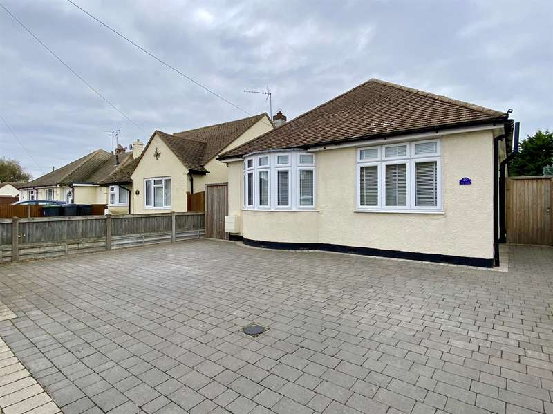 4 Bedrooms Detached Bungalow for sale in The Grove, Greenhill, HERNE BAY