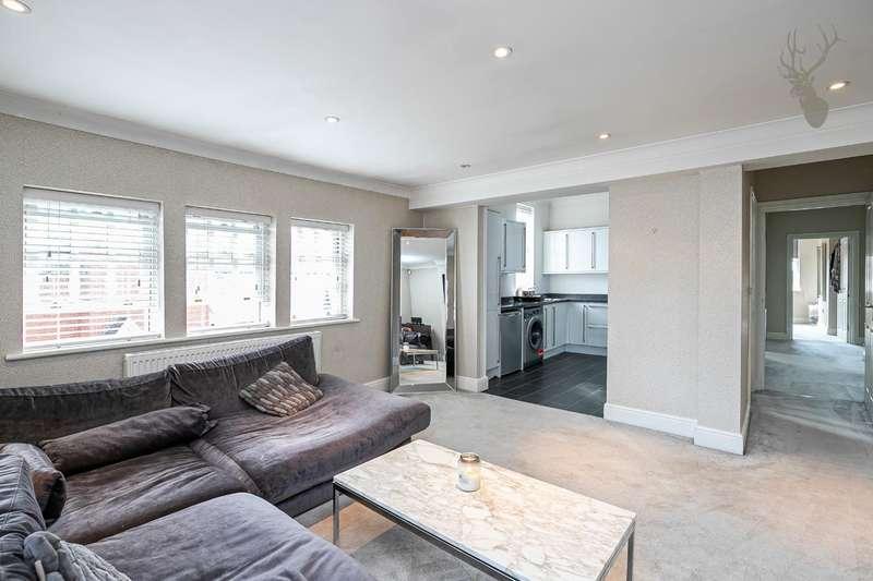 2 Bedrooms Flat for sale in Ongar Road, Abridge, Romford