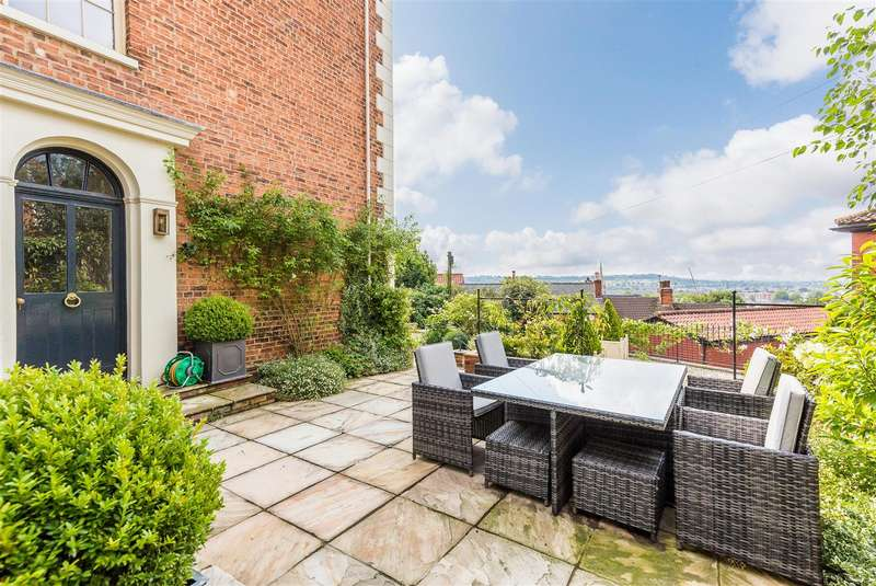 4 Bedrooms Detached House for rent in Danesgate, Lincoln