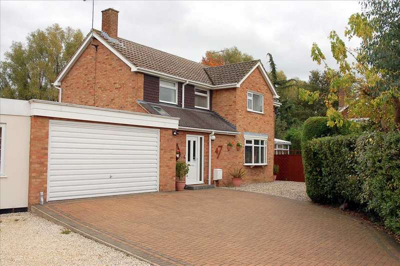 4 Bedrooms Link Detached House for sale in Spalding Way, Great Baddow, Chelmsford