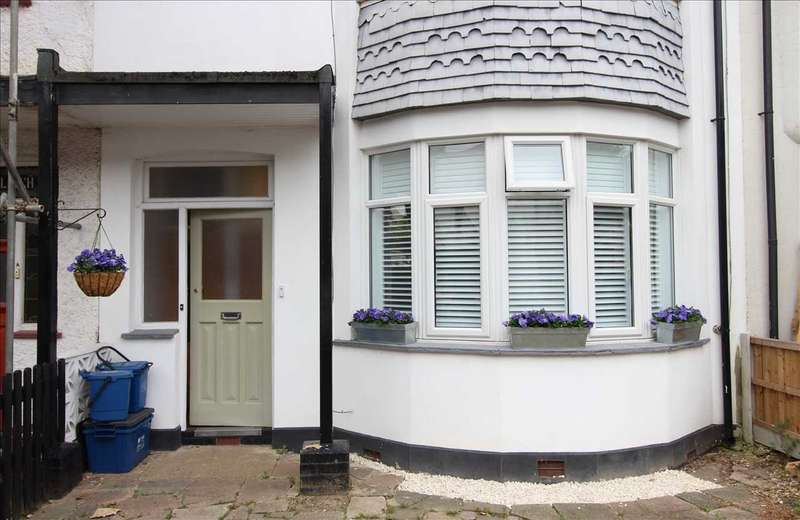 1 Bedroom Apartment Flat for sale in Leigh on Sea