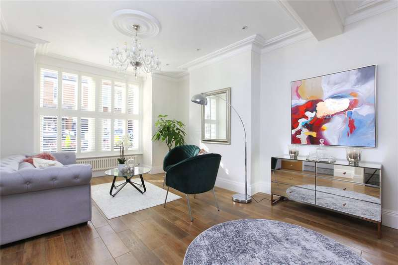 3 Bedrooms Terraced House for sale in Dagnan Road, Clapham South, London, SW12