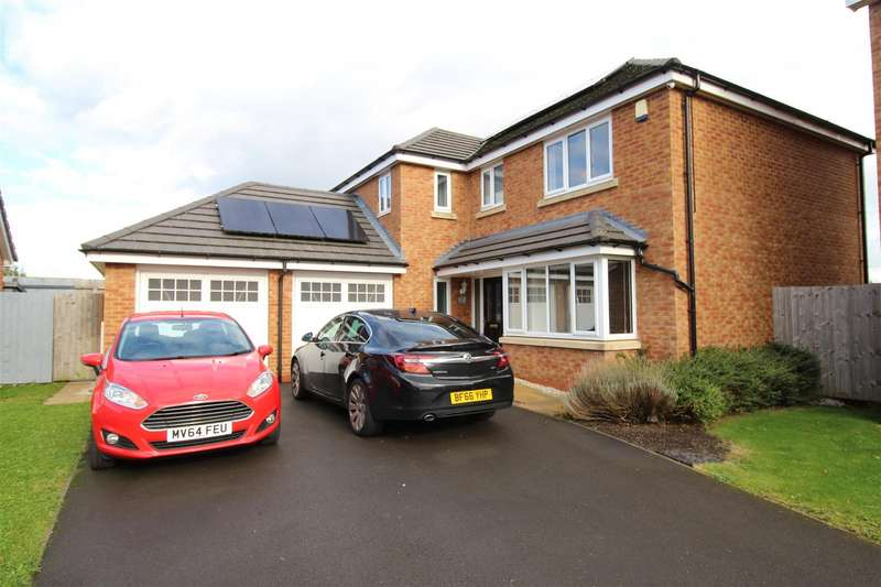 4 Bedrooms Detached House for sale in Greenwood Close, Goose Green, Wigan