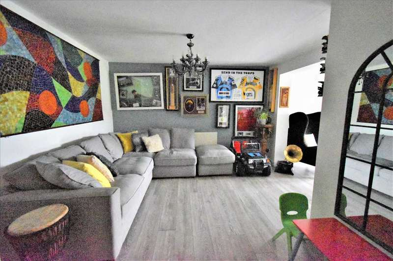 3 Bedrooms House for sale in Burnham Road, Dartford