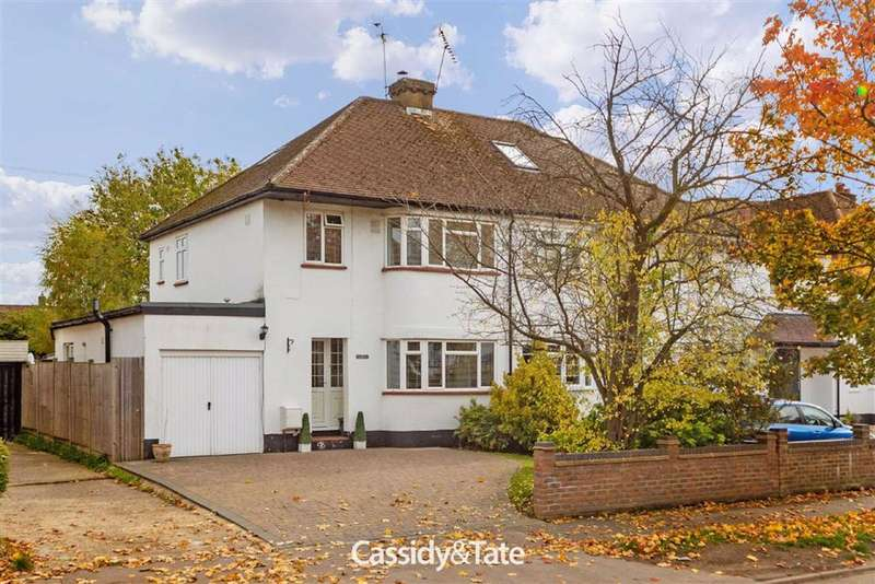 3 Bedrooms Property for sale in Beechwood Avenue, St. Albans, Hertfordshire - AL1 4XZ