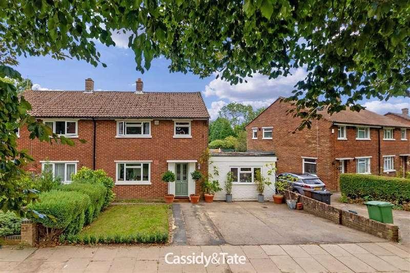 3 Bedrooms Property for sale in High Oaks, St. Albans, Hertfordshire - AL3 6DW