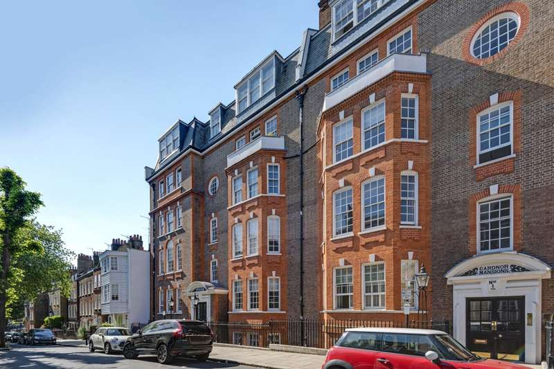 3 Bedrooms Flat for sale in Church Row, Hampstead Village, London, NW3