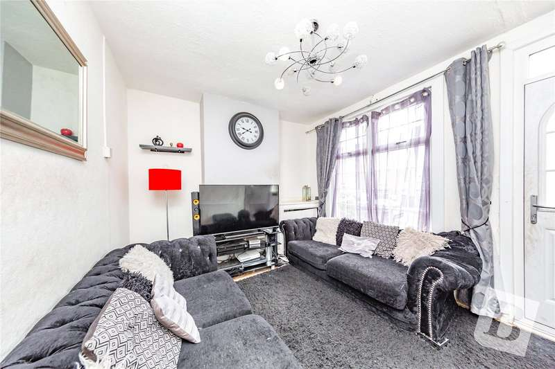 3 Bedrooms Terraced House for sale in William Street, Grays, Essex, RM17
