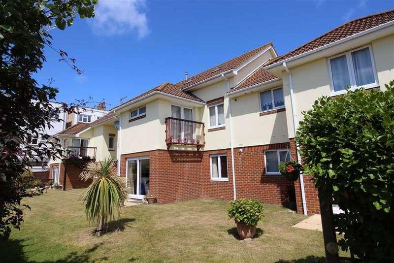 2 Bedrooms Flat for sale in Seaward Avenue, Barton on Sea, Hampshire
