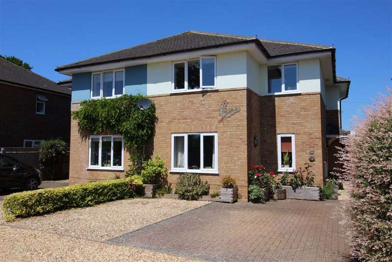 4 Bedrooms House for sale in Wellingtonia Gardens, Hordle, Hampshire