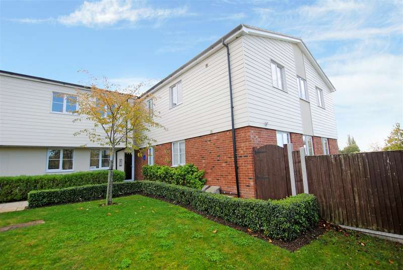 2 Bedrooms Apartment Flat for sale in Richmond Avenue, Benfleet