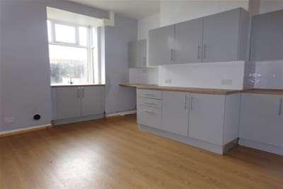 2 Bedrooms House for rent in Eldwick Street, Burnley