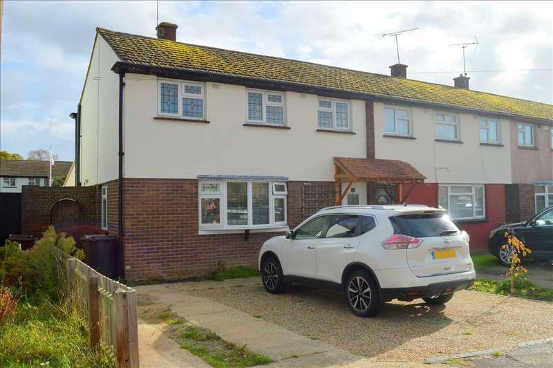3 Bedrooms House for sale in Pennine Road, Chelmsford