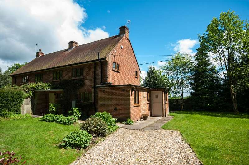 3 Bedrooms Semi Detached House for rent in Pound Green Cottages, Goring Lane, Wokefield Green, Mortimer, RG7