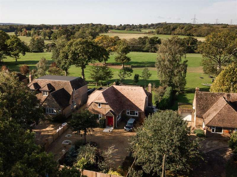 4 Bedrooms Detached House for sale in BEAUTIFUL RURAL VIEWS Lewes Road, Scaynes Hill