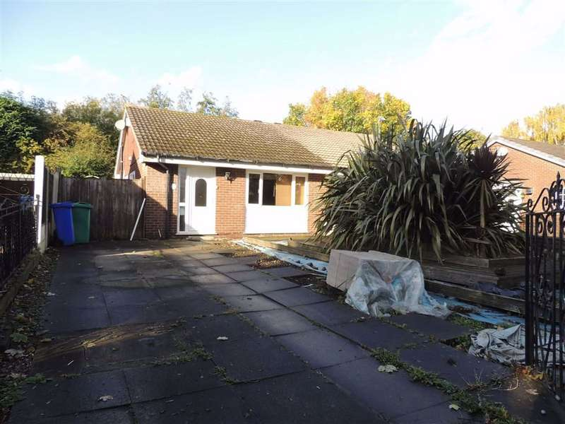 2 Bedrooms Semi Detached Bungalow for sale in Kilnwick Close, Manchester